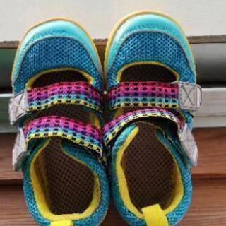 メッシュ靴