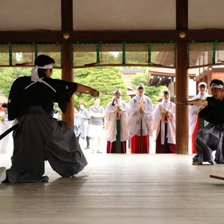 世界遺産である京都下鴨神社で柳生新陰流を披露しませんか?久武館道...