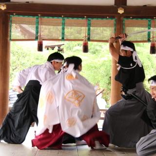 世界遺産である京都下鴨神社で柳生新陰流を披露しませんか?久武館道場(^^)/~~~ − 徳島県