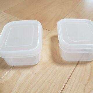 小さめ保存容器 タッパ 2コ