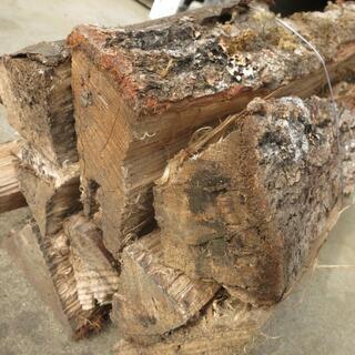 【値下げしました】広葉樹ミックス乾燥薪500kg宅配します。30,...
