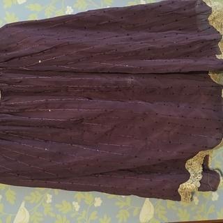 スパンコールがかわいいゴムスカート