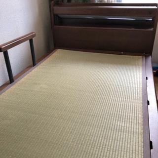 棚、柵つきベッド