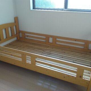 無料 シングルベット 2段ベットの一階部分