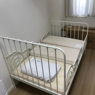 IKEA 子供用伸縮ベッド