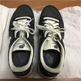 NIKE ナイキ スニーカー 25.5cm 黒 靴 メンズ