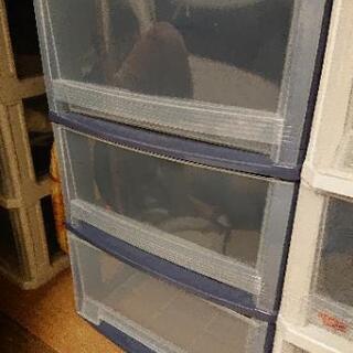 沢山あり。 3段ボックス 引き出し  衣装ケース 押し入れ