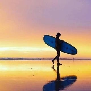 サーフィン体験レクチャー(サーフボードお貸し出来ます)