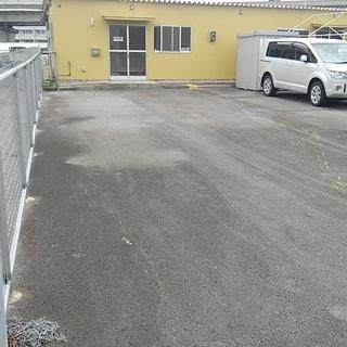 広々敷地の店舗 事務所7.8坪駐車場45坪で12万格安物件 1階テナント