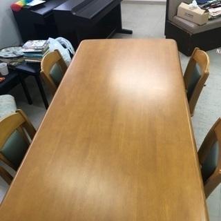 【取引中】ダイニングテーブル 椅子4脚付