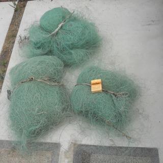 古いテグス糸の漁網(中古)です。畑の獣害対策とかに いかがでしょ...