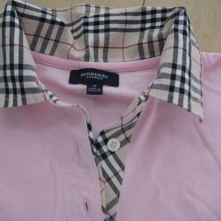 バーバリーのポロシャツ、地色ピンクです。ほつれ、汚れはありません。