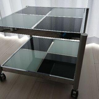 リビング用のテーブル