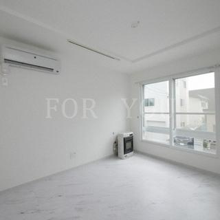 ≪新築≫白を基調とした清潔感のある内装が魅力的★エアコン・ネット無...
