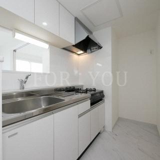 【新築】エアコン・対面キッチンなど充実した設備★清潔感のある明るい...