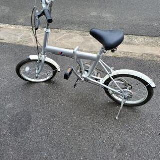 ほぼ新品 16インチ折り畳み自転車