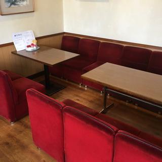 【無料で差し上げます】喫茶店閉店のためソファー、テーブル、チェアつ...