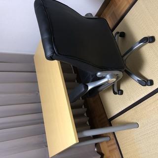 椅子×2、机、扇風機、マット、アイロン台、譲ります。