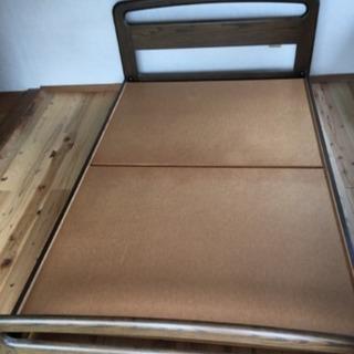 木製セミダブルベッド  取りに来られる方にあげます!