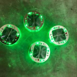 最終値下げアルミホイールセンターキャップ  LEDソーラーバッテリー