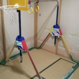子供用室内遊具ポップンロール 鉄棒、ブランコ、吊り輪、バスケの画像