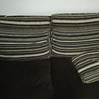 ニトリにて購入3人用ソファ