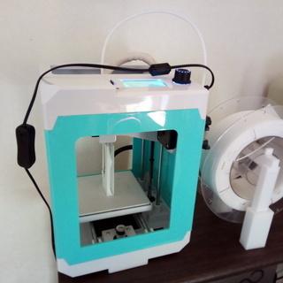 中古3Dプリンターと造形するまでの簡単なレクチャー(初心者向け)