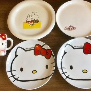 キティ、ミッフィー&サーカス柄食器5点