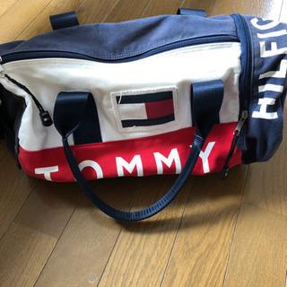 TOMMY HILFIGER ドラム型バッグ