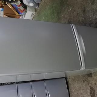 Panasonic 16年式 NR-B178W-S 168L 冷蔵...