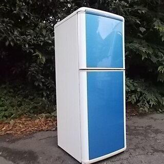 とっても綺麗な瑠璃色の冷蔵庫!( シャープ冷凍冷蔵庫 )