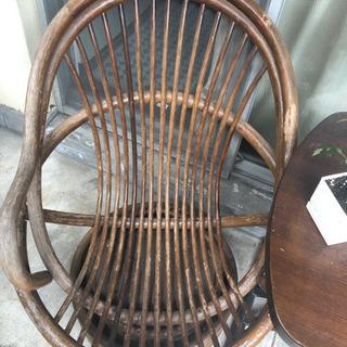 ベランダ、庭中の藤製椅子譲りますの画像