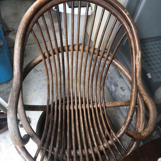 ベランダ、庭中の藤製椅子譲ります - 岡崎市