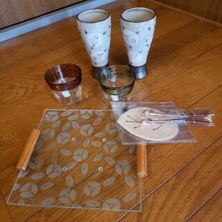 コップ2ガラスコップ2大皿1その他セット