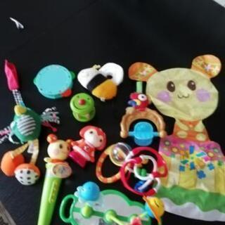 赤ちゃん おもちゃ 3個増えました