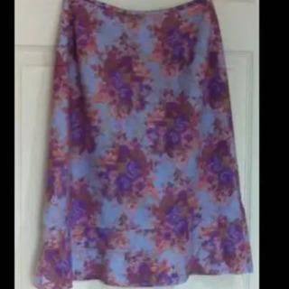 値下げ❣️紫花柄スカート、紫系の服多数あります