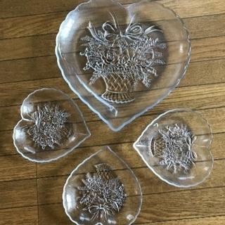 値下げ!ハートのガラス皿セット