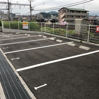 藤井寺市国府 土師ノ里駅すぐ 空き3台 月極駐車場、税込4000円