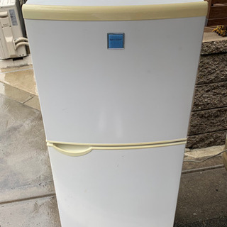 シャープ 冷蔵庫 2005年式