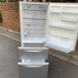 ★自動製氷搭載2012製3ドア冷蔵庫★