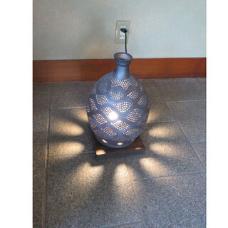 陶芸品 透かし彫り 陶器 壺 幅23 奥行23 高さ35 …