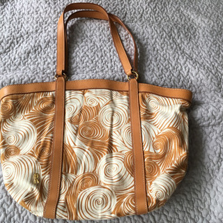 ロベルタ 上品なバッグ  頒布 牛革 日本製