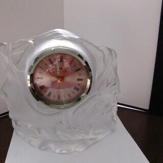 ガラスの置き時計