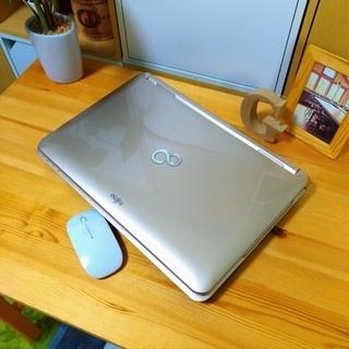 SSD搭載の高速FUJITSU★ かっこ良くて高級感のあるシャンパ...