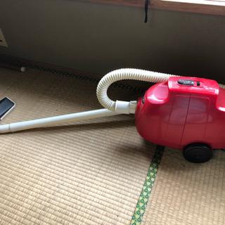 昭和レトロ☆赤の掃除機  TOSHIBA製