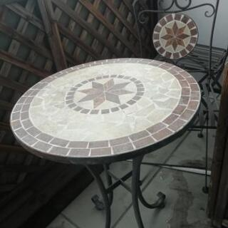 【決まりました】ガーデンテーブル、チェア二脚セット
