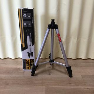 ビデオカメラ4段三脚