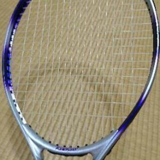 テニスラケットお話中