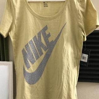 Nike  T-shirts