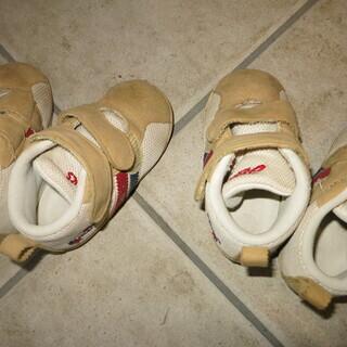 アシックス靴